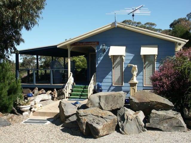 Blue Heaven Cottages B+B - Goolwa - Bed & Breakfast