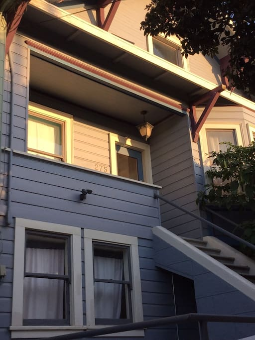 2 Bedroom Outer Mission Victorian W Sunny Deck Houses For Rent In San Francisco California