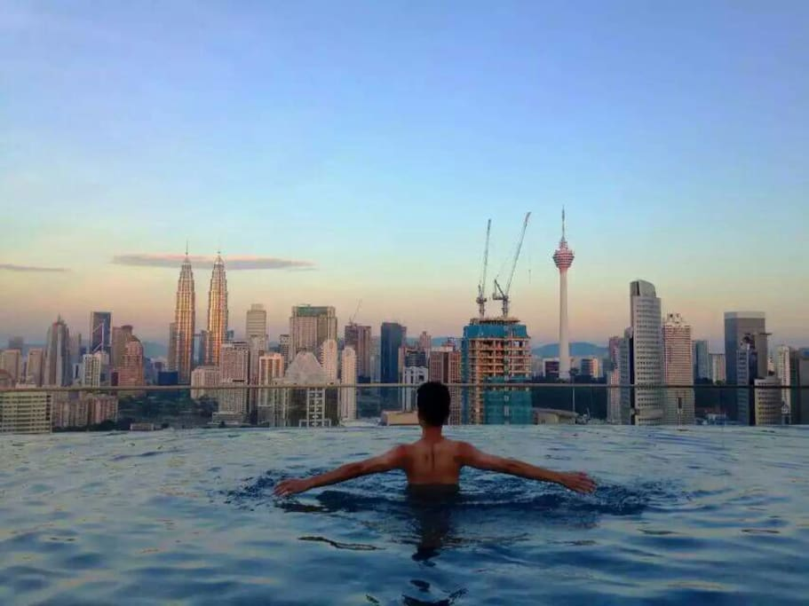 Rooftop infinity pool full kl view apartments for rent - Rooftop swimming pool kuala lumpur ...