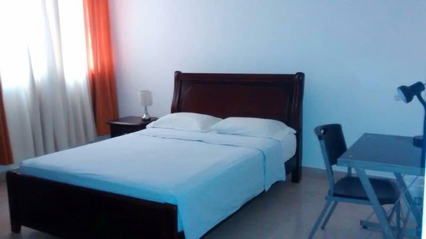 Queen Bed,Comfortable,Quiet & Safe