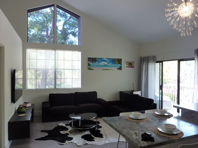 ★ Modern OC Destination Condo ★ - Laguna Hills - Appartement