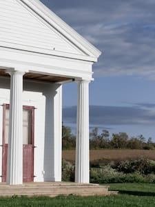 Artists' Paradise: Waterburg Chapel - Trumansburg