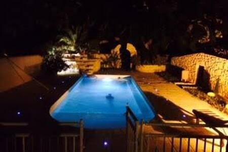 Mobil-home avec piscine à Rognac