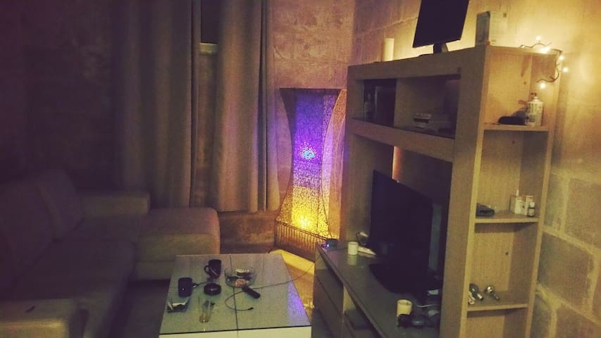 Study room. Cosy and private - Tas-Sliema - Apartment