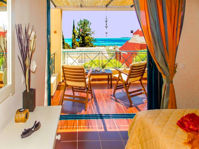 MANTO LUXURY ON BEACH 2 PERSONS APART BARBATI - Mparmpati - Διαμέρισμα