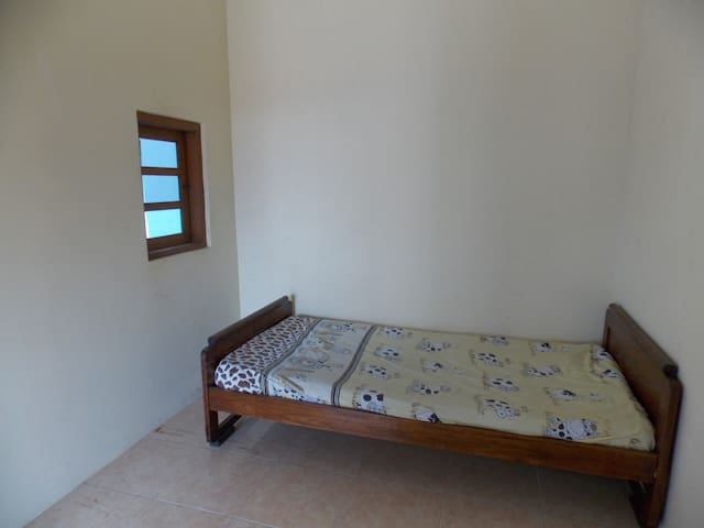 Private room in rural Surakarta - Surakarta - House