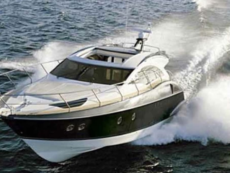 Yacht For Charter at Miami Boat Experts: Charters, Crew, Supplies & Maintenance in Miami, Florida Keys and The Bahamas!