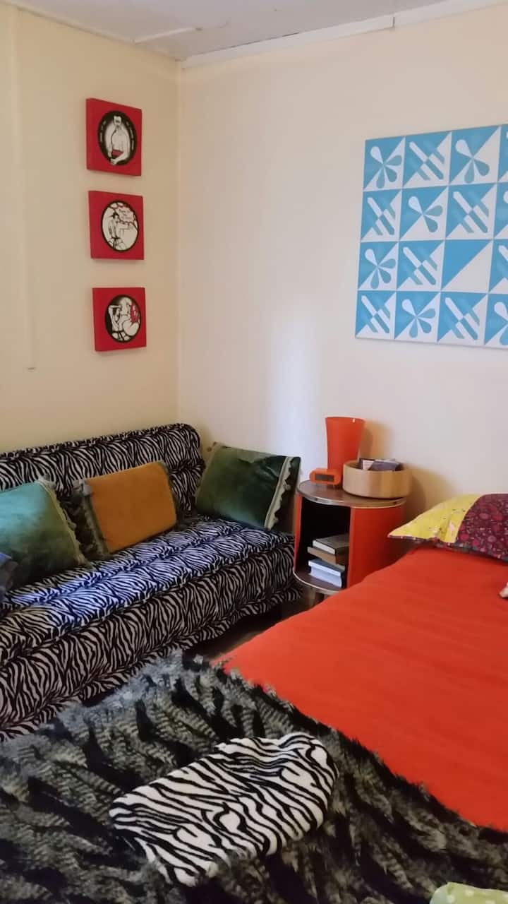 A little room available in the heart of Grey Lynn