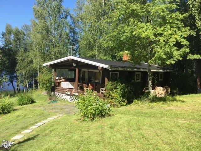 Stockstuga vid sjön Venjärvi