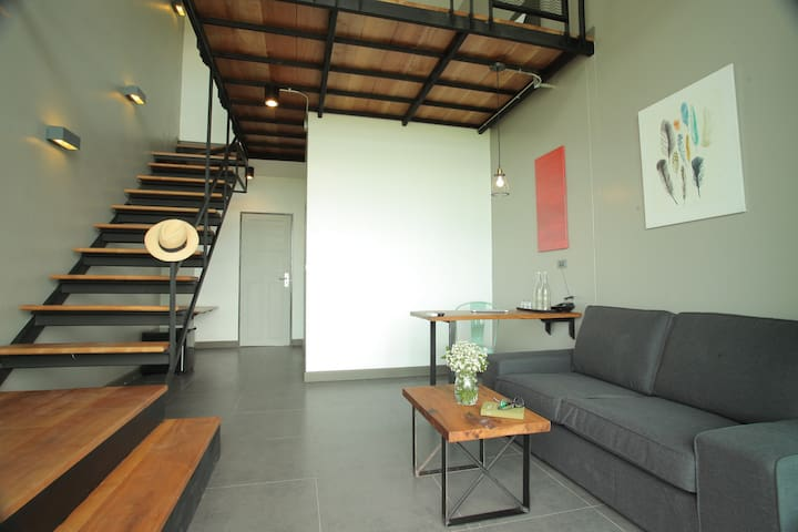 Spacious Loft Duplex room @Space59 - Tambon Na Muang - Pis