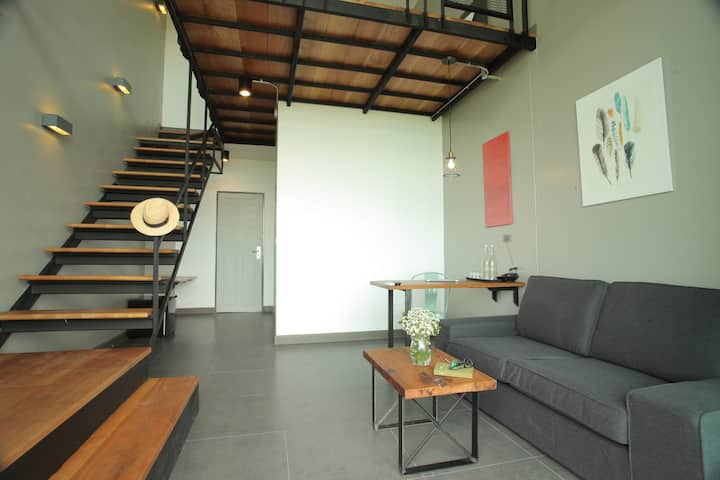 Spacious Loft Duplex room @Space59 hotel