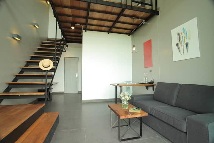 Spacious Loft Duplex room @Space59 hotel