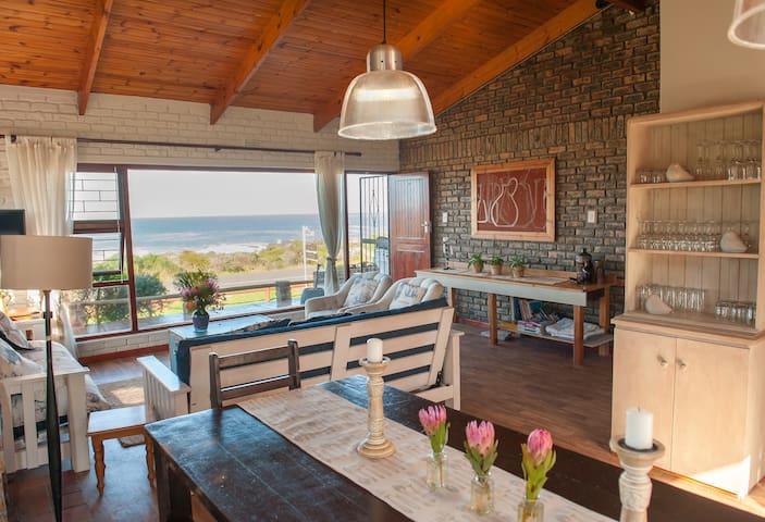 KLEINMOND SEAFRONT BEACH HOUSE - Kleinmond - Talo