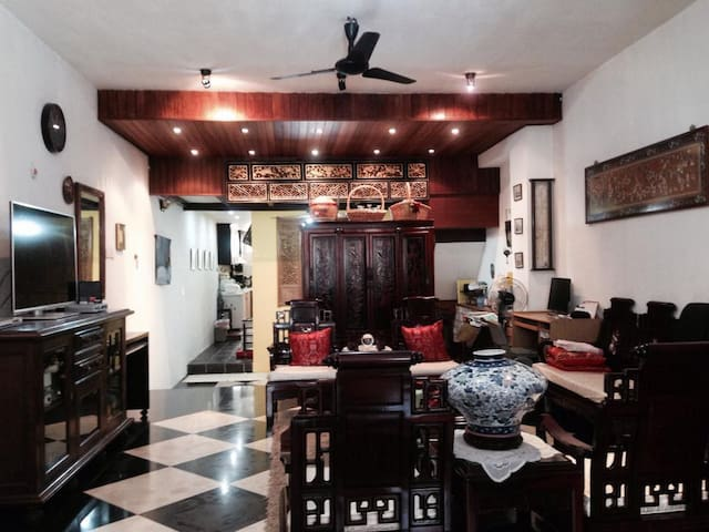 Private room in Katong (near town)