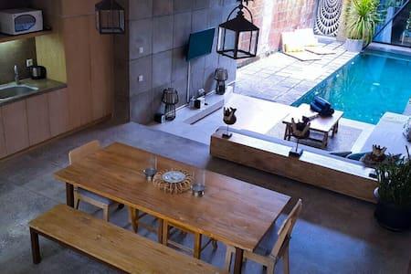 3 kamar villa Jimbaran bali