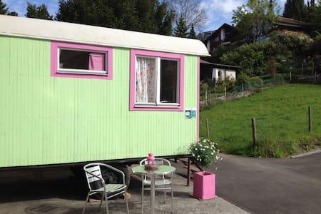 Neb-Thun Lodge - Hilterfingen - Camper/RV