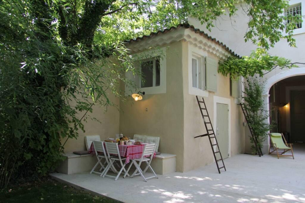 G te de charme piscine en provence in carpentras provence for Gite provence piscine