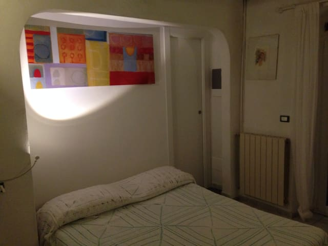 Lovely double room with bath - Montemarcello