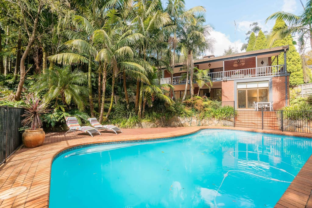 Palm Garden Resort Swimming Pool Houses For Rent In Saint Ives Chase New South Wales Australia