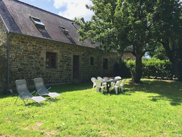 Maison typique bretonne - Crozon - Huis