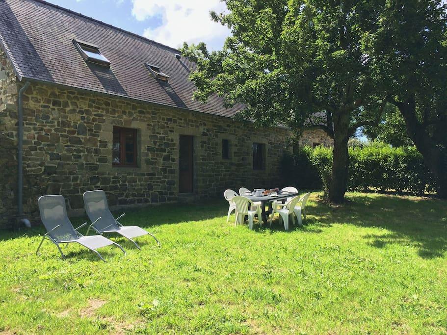 maison typique bretonne maisons louer crozon bretagne france. Black Bedroom Furniture Sets. Home Design Ideas