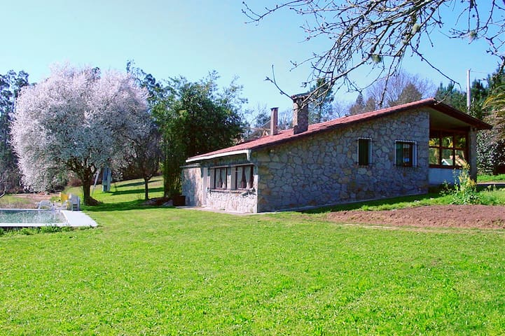 Casa Rural con piscina - Irixoa - Hus