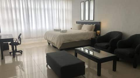 Sandton Apartment (103) -4.6 kms from Sandton City