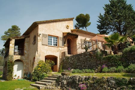 FRENCH  RIVIERA indep. villa pool - Roquefort-les-Pins - House