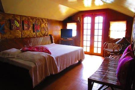 SEAVIEW ROOM WITH VERANDA - Cebu - Maison