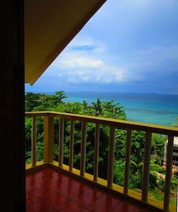 SEAVIEW ROOM WITH VERANDA - Cebu - Casa