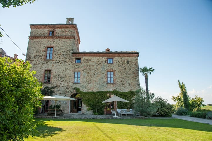 The castle you want come back to (n°2) - Tassara - Bed & Breakfast