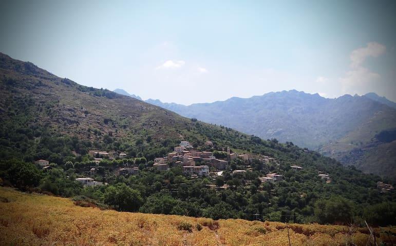 Maison de charme, mer et montagne - Nessa