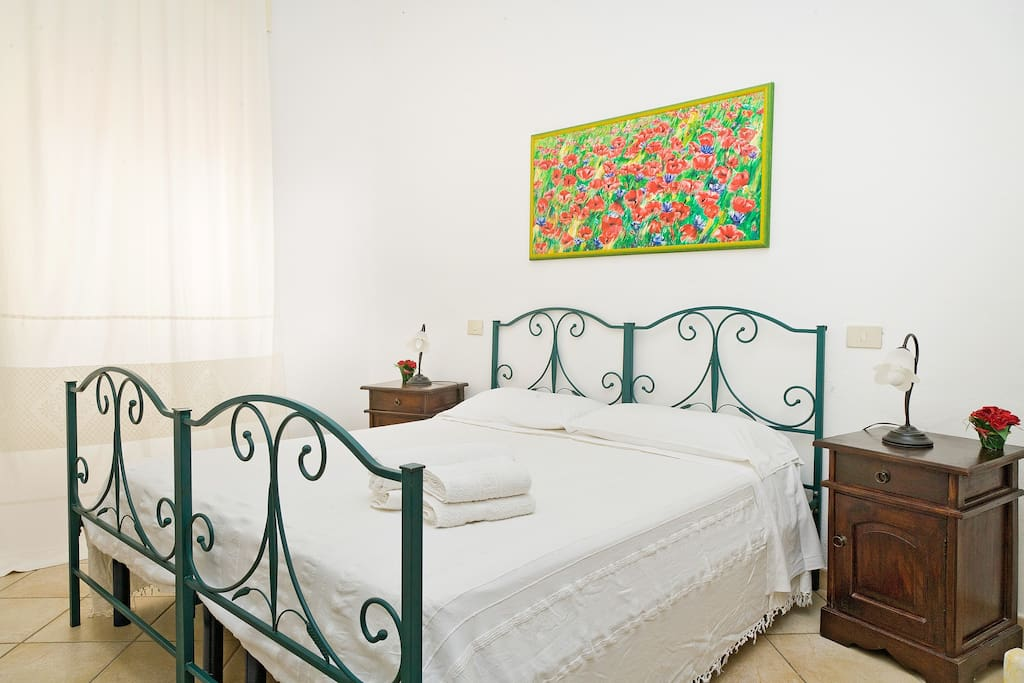 Poppies room janas olbia chambres d 39 h tes louer for Chambre d hote sardaigne