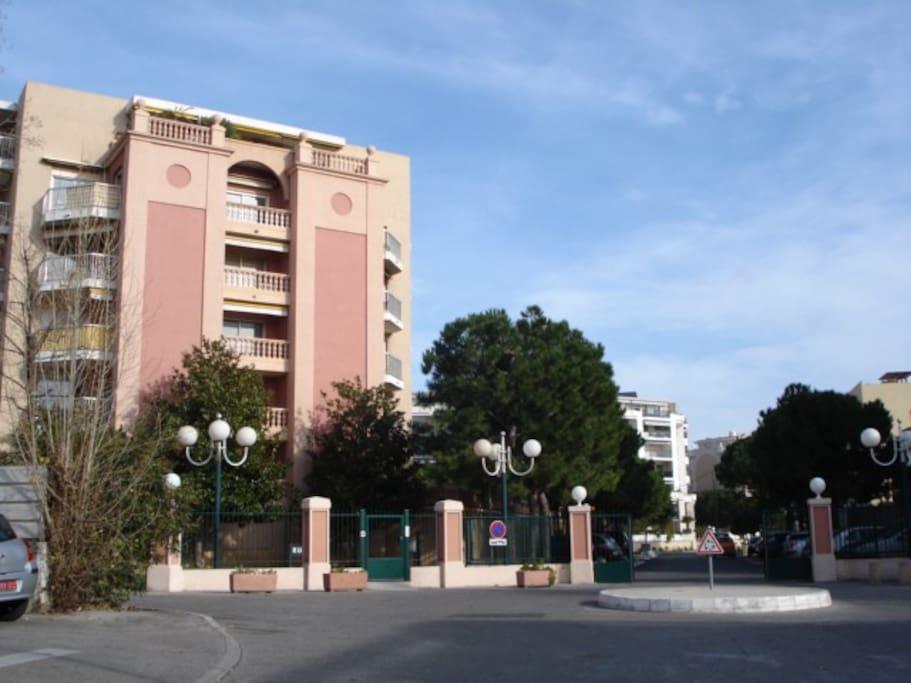 Main entrance, residence le lido