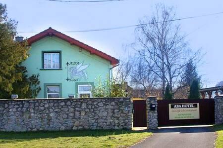 Elbújhatsz és mégis közel vagy - Zalaszentiván - Rumah