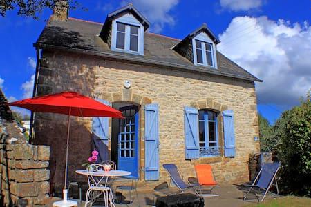 Charming House in La Trinité s/mer - La Trinité-sur-Mer - บ้าน