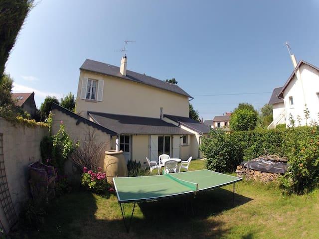 Maison-jardin à 200m mer et centre - Cabourg - Hus