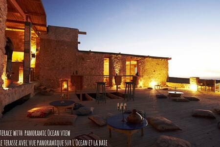 """Bedroom """"AFTAS""""@Ecolodge l'Ane Vert - Rumah Tanah"""