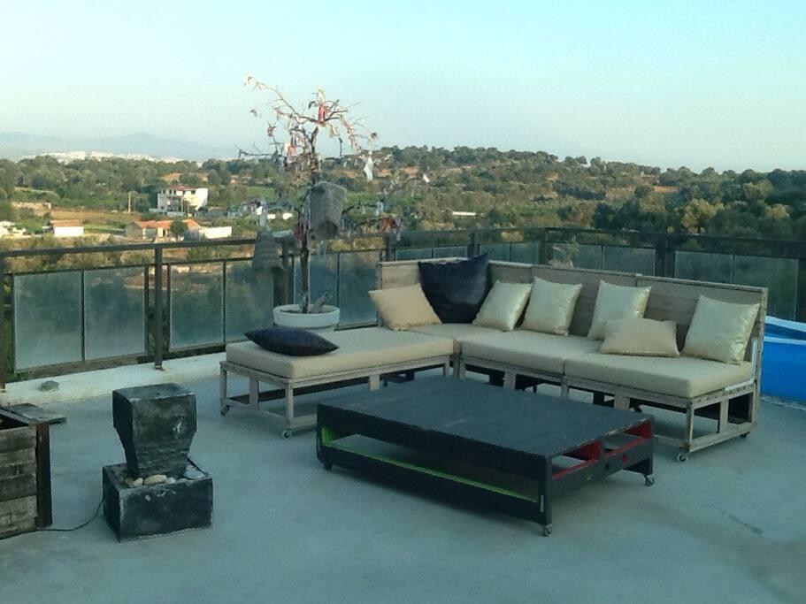 le salon du toit terrasse de la maison