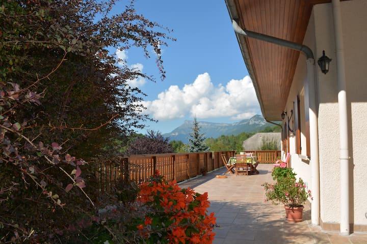 Chambres d'hôtes Lac de la Thuile en Savoie 73190 - La Thuile - Dům pro hosty