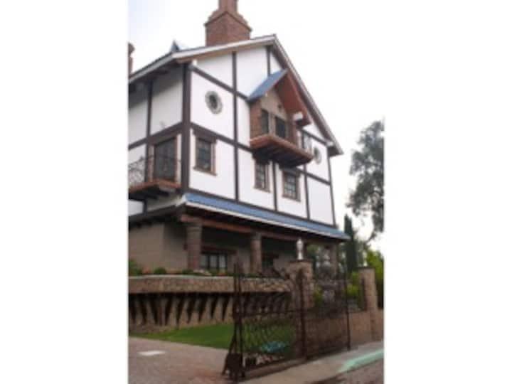 Casa Inglesa/ English House