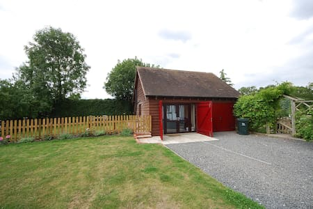 Chalet close to the Malvern hills - Malvern Hills District - Alpehytte