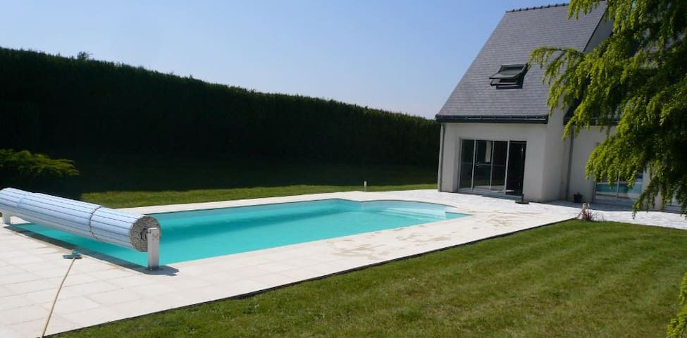 Chambres au calme près du Mans (1 à 3 pers) - La Bazoge - Bed & Breakfast