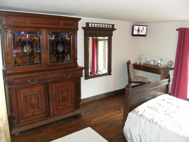 Wonderful Room-Converted Farmhouse