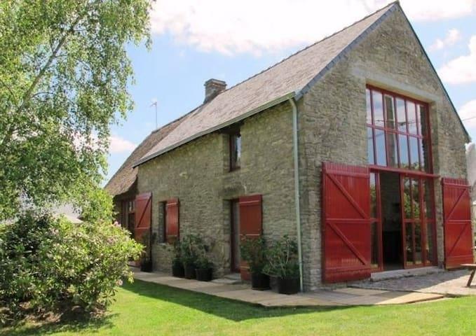 Jolie chaumière atypique en Brière - Saint-Lyphard - Dům