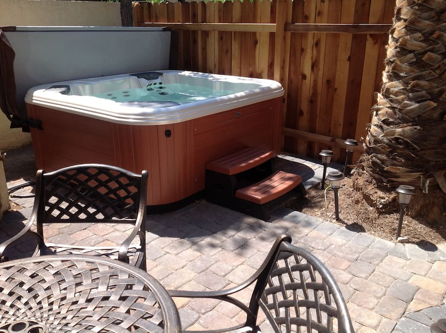 close to the strip pvt hot tub townhouses for rent in las vegas nevada united states. Black Bedroom Furniture Sets. Home Design Ideas