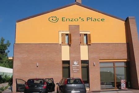 Enzo's Place sea-view 101 - Marina