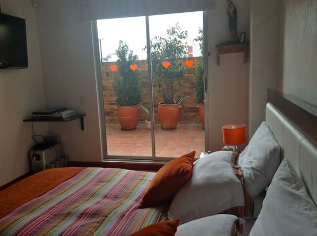 APTO CERCA AL MALL DADELAND  MIAMI - Bogotá - Bed & Breakfast