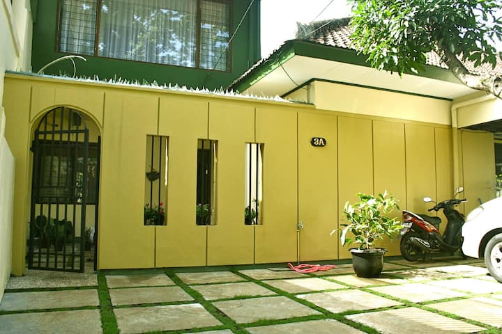 Lamping GuestHouse Bandung - all 5 room for 10 pax
