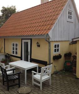 lille lejlighed i to etager - Odense